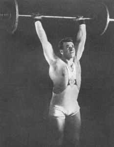 Серго Амбарцумаян берет вес