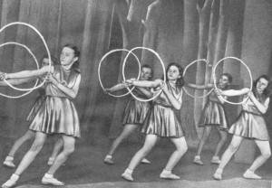 Занятия секции художественной гимнастики