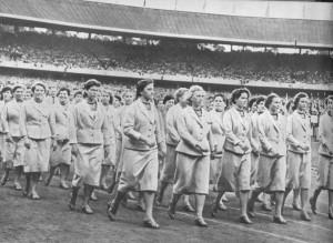 день открытия XVI Олимпийских игр.