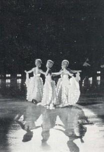 Женщины в белом на льду