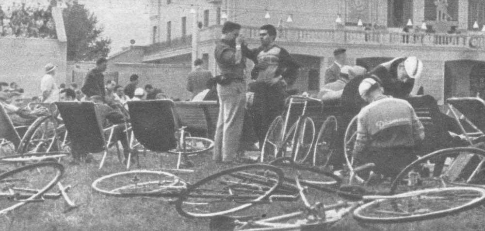 На велотреке стадиона юных пионеров